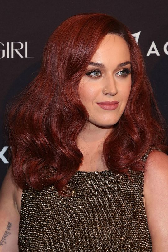 10 Auburn Red Hair Ideas To Lighten Up Your Style