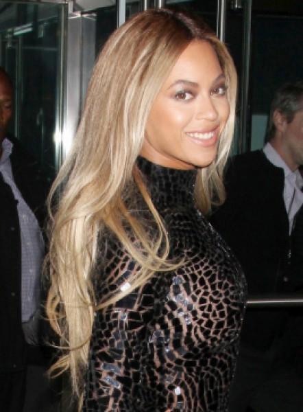 beyonce-blonde-hairstyles-6