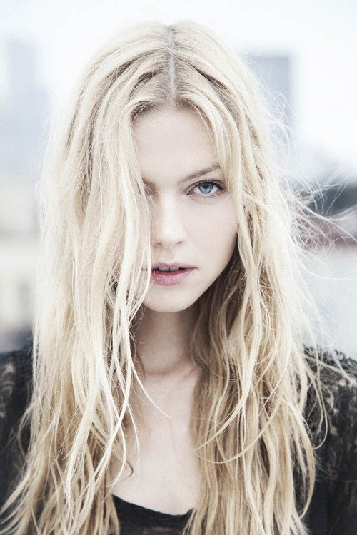 23 Ideal Blonde Hairstyles For Women With Blue Eyes