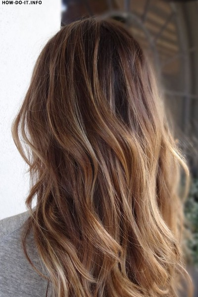Light golden brown balayage hairstyle for women