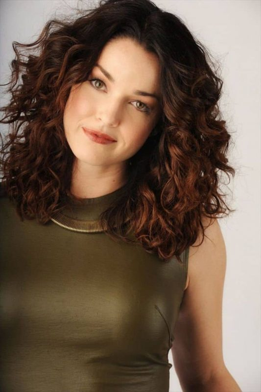 51 Best Curly Hairstyles For Women 2021 Trends