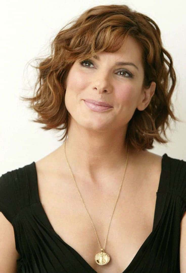 30 Best Short Wavy Hairstyles Trending In 2021