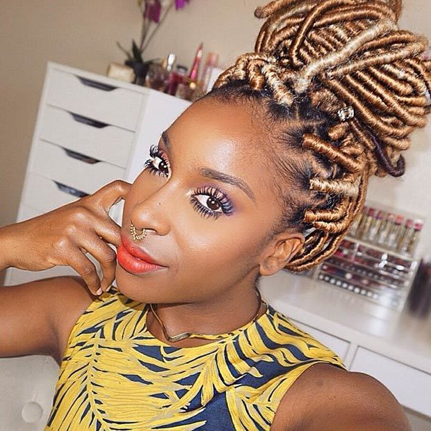 30 Best Natural Faux Locs For Women Who Like Volume