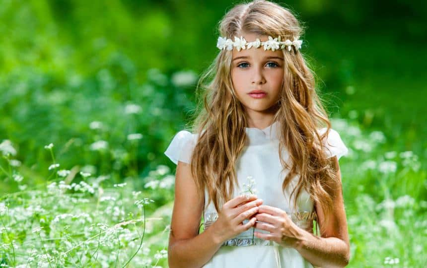 30 Endearing Wedding Hairstyles For Little Girls Hairstylecamp