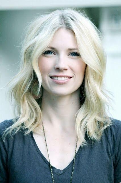 medium-length-blonde-hairstyles-3