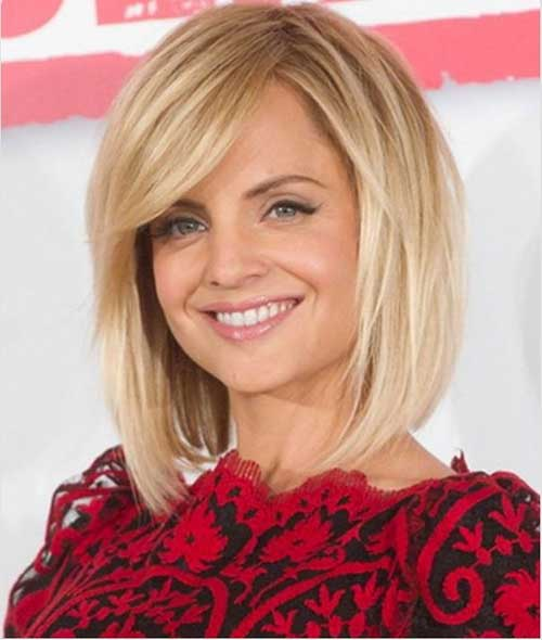 Medium Length Blonde Hairstyles 6