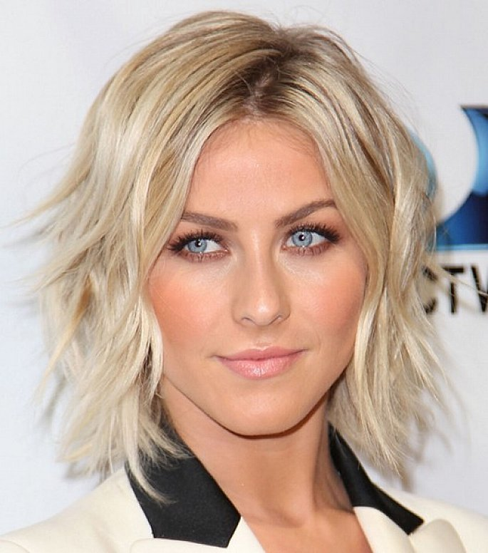 medium-length-blonde-hairstyles-9