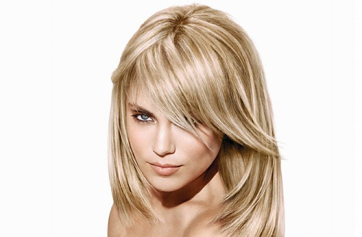 25 Lustrous Blonde Hairstyles For Medium Length Hair 2020