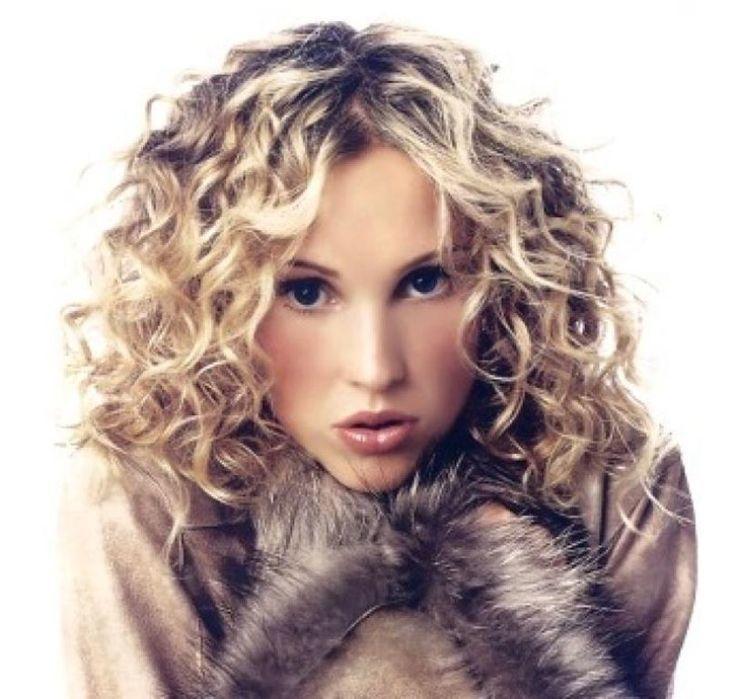 nice Medium Curly Hairstyle