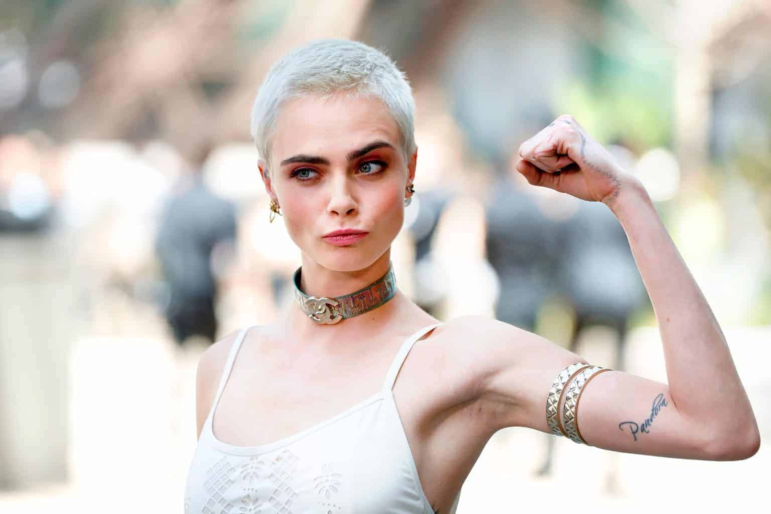 French women persecuted with shaved heads