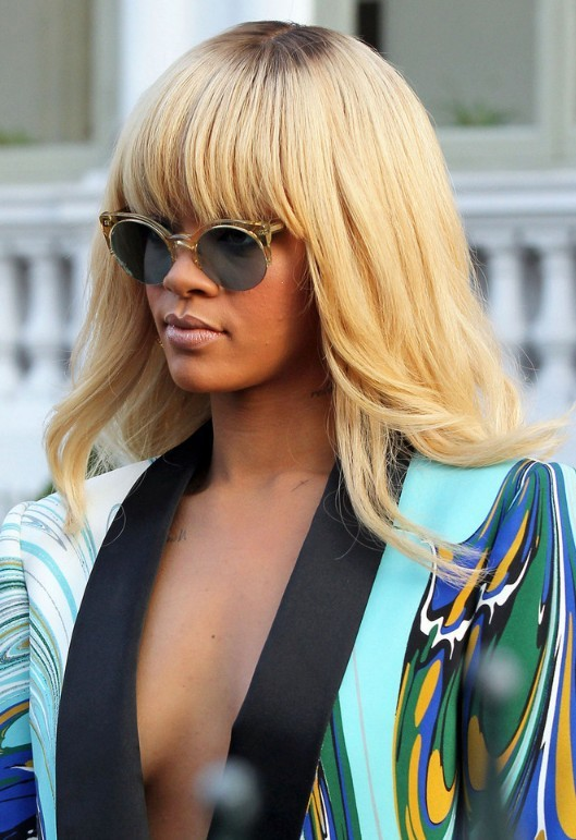 rihanna-blonde-hairstyles-4