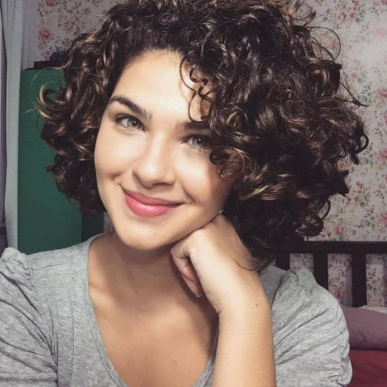52 Super Cute Short Curly Hairstyles for Women – HairstyleCamp