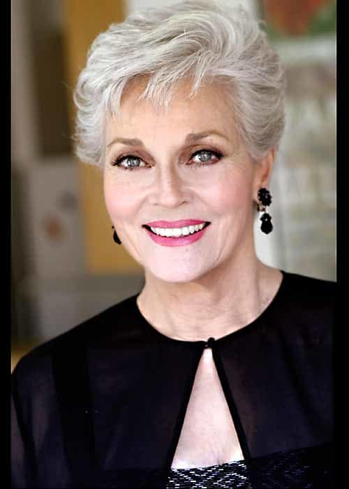 Sweet Short Hairstyles for Older Women