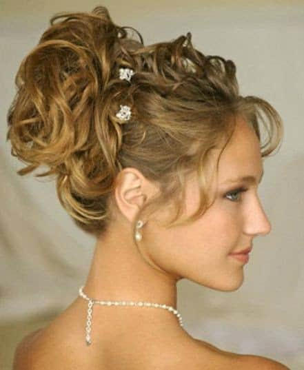 27 Curly Hair Updos Thatll Be Trending In 2019