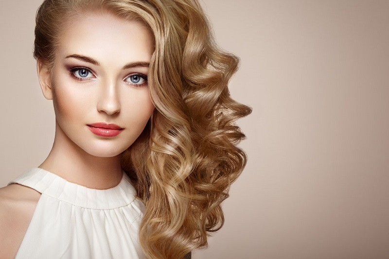 Nice Butterscotch blonde hair color for cute girl