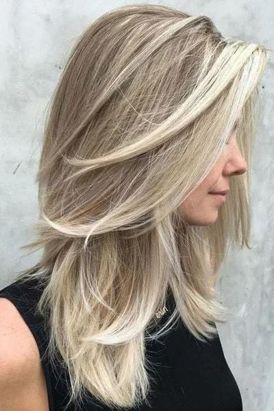 12 Alluring Layered Blonde Haircuts For Women 2020