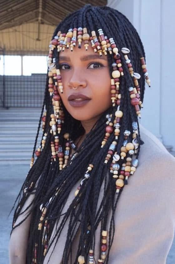 In Order To Put A Line Of Beads Above Your Eyes You Should Cut Bangs Into Hair Add Por Read Stylish Medium Box Braids