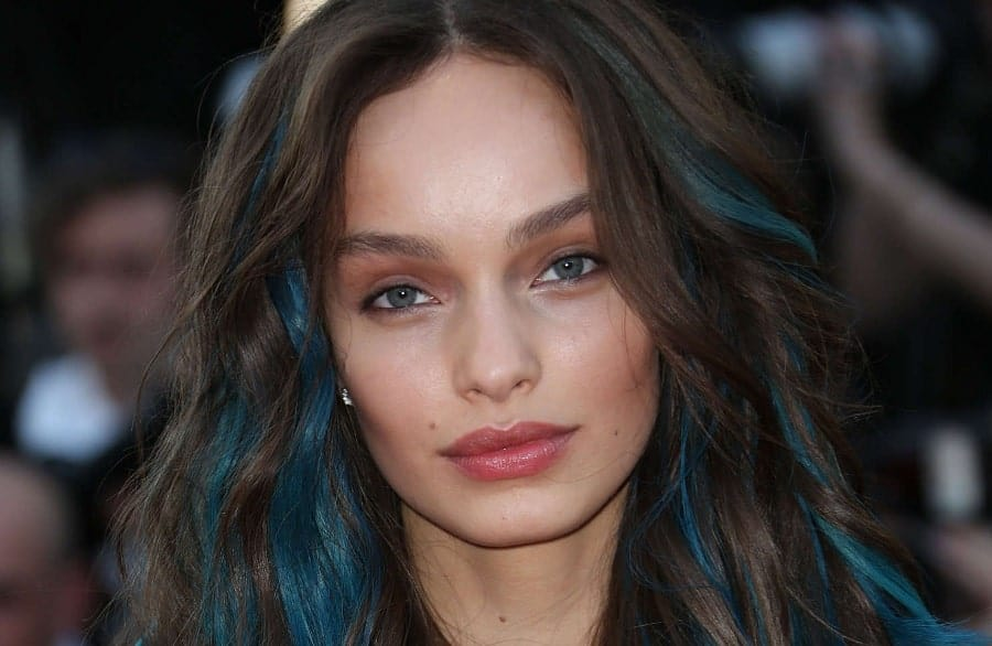 10 Blue Highlights On Brown Hair You Ll See Trending In 2019
