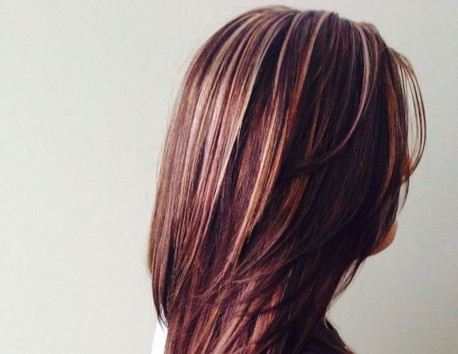 7 Beautiful Burgundy Hairstyles With Blonde Highlights