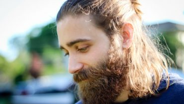 6 Effective Tips To Straighten A Curly Beard