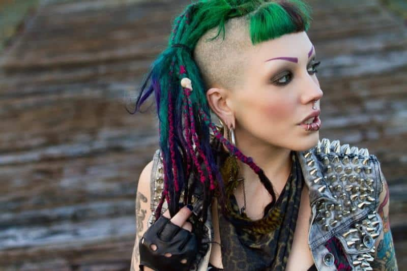 7 Staggering Dreadlock Hairstyles With Shaved Sides