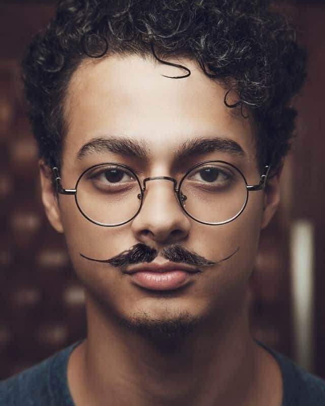 3db0336e3 French Mustache: A Quick Guide to Style Like A BOSS