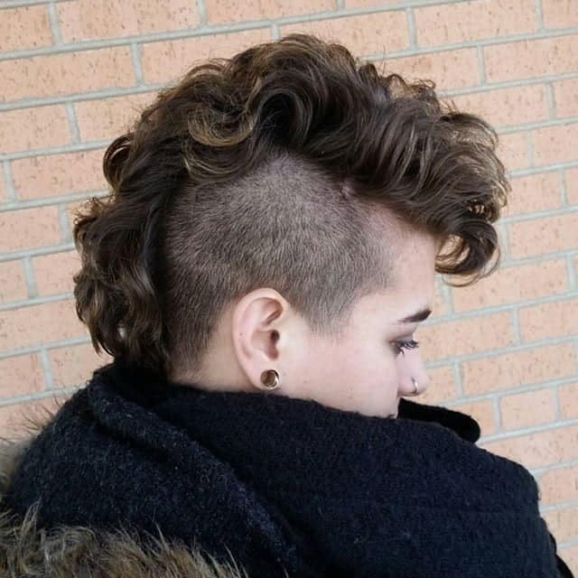 Excellent 11 Bold Mohawk Hairstyles For Girls To Try Hairstylecamp Schematic Wiring Diagrams Amerangerunnerswayorg