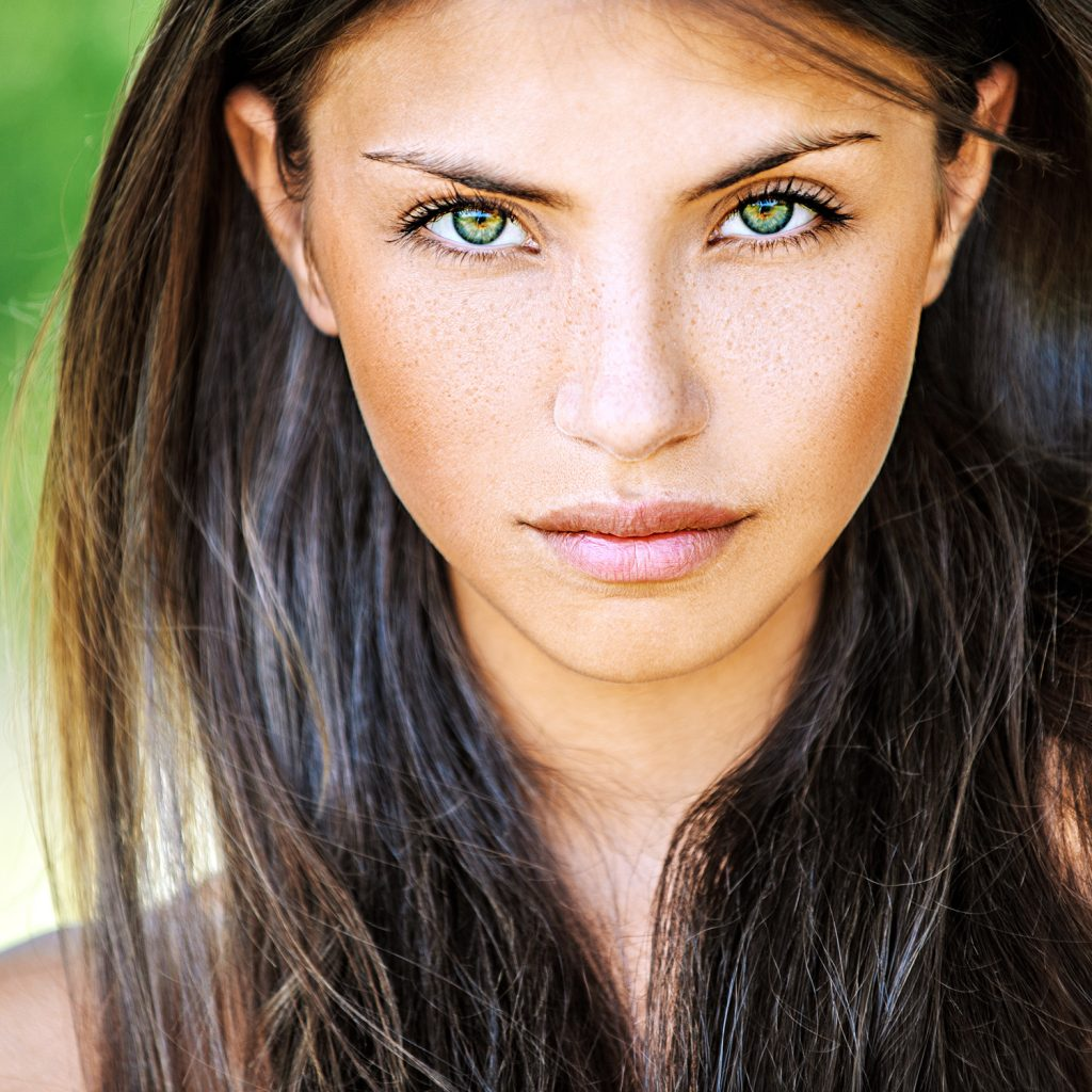 Brown Hairstyles for Green Eyes: 10 Dream team Combination