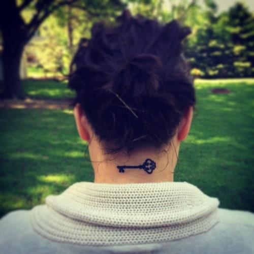 hair line tattoo