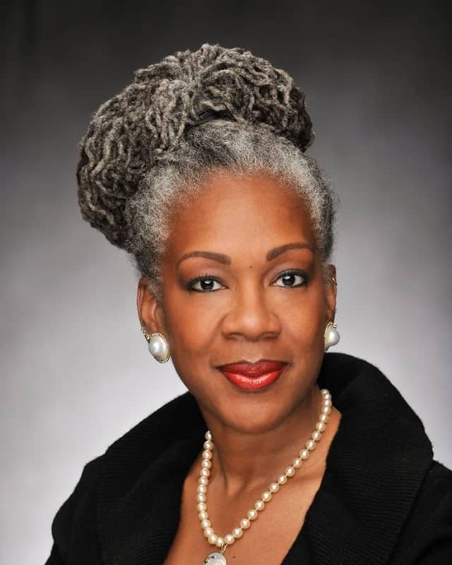 25 Elegant Hairstyles Perfect For Black Women Over 50