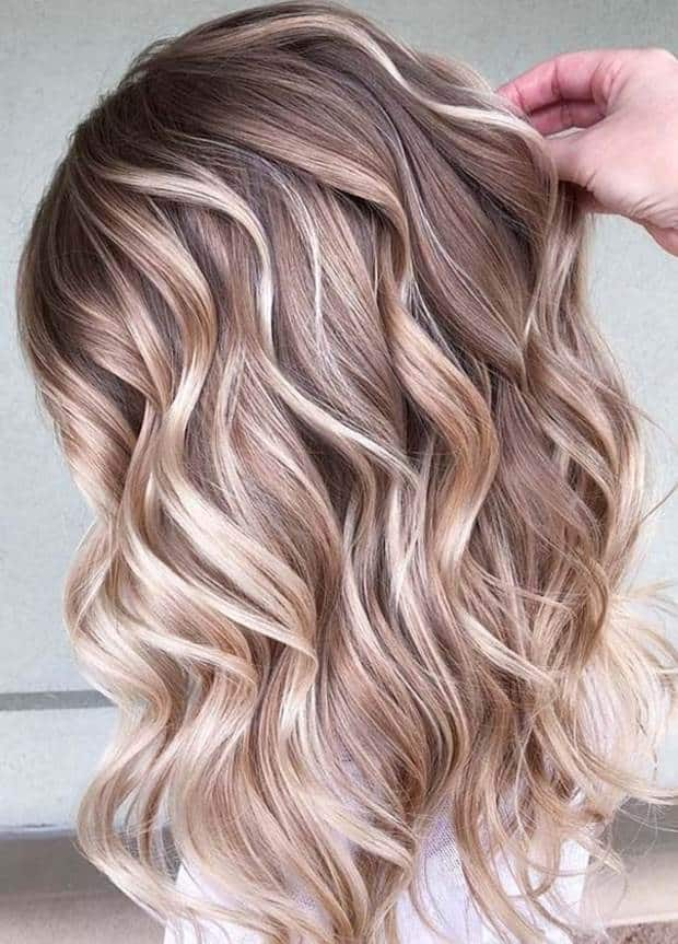 12 Fashionable Highlights Ideas for Long Hair to Flaunt