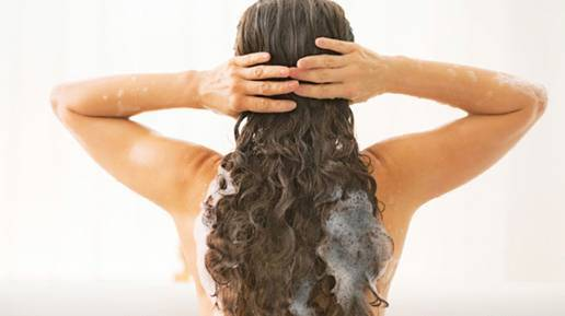naturally curly hair for women
