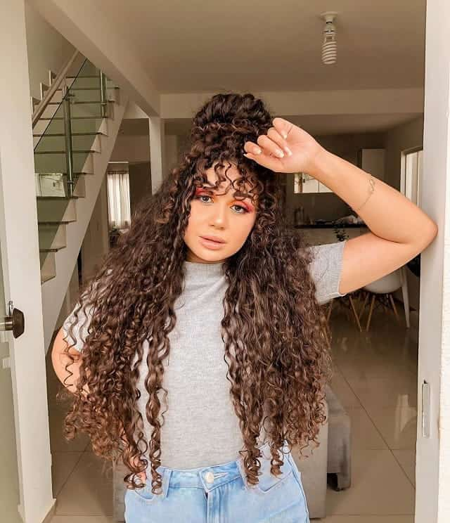 55 Long Curly Hairstyles That Are Popular In 2020
