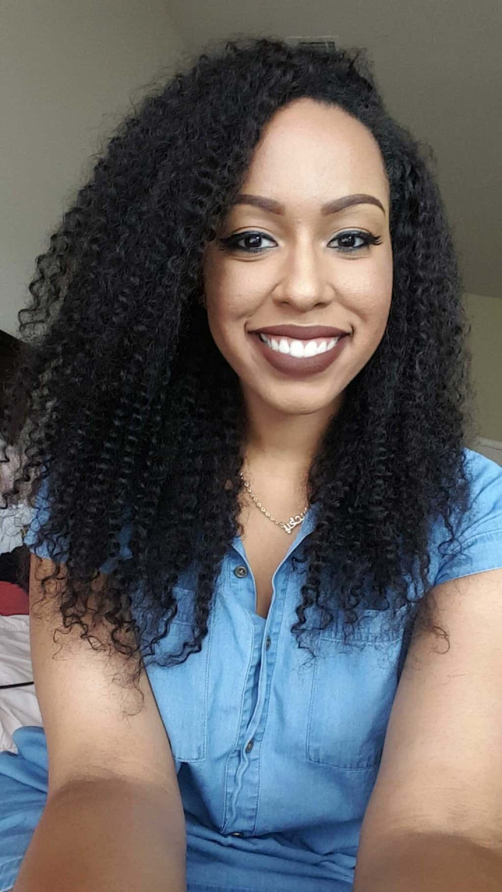 8 Big And Long Kinky Curly Hair To Look Bold