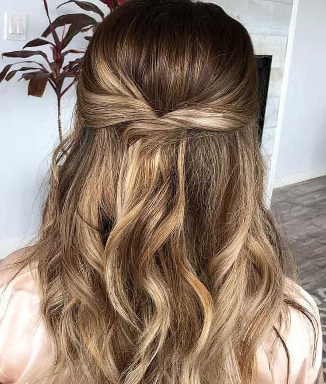 40 Stunning Long Wavy Hairstyle Ideas For 2020