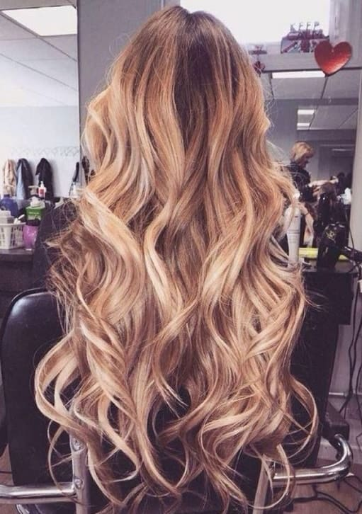 25 Exquisite Loose Curly Hairstyles For Women 2020
