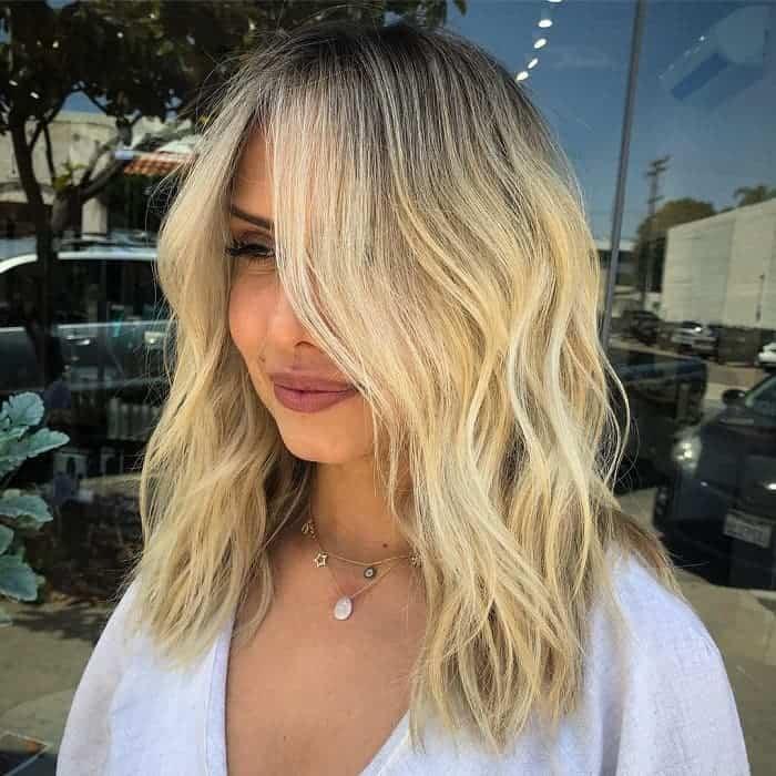 25 Lustrous Blonde Hairstyles For Medium Length Hair 2020