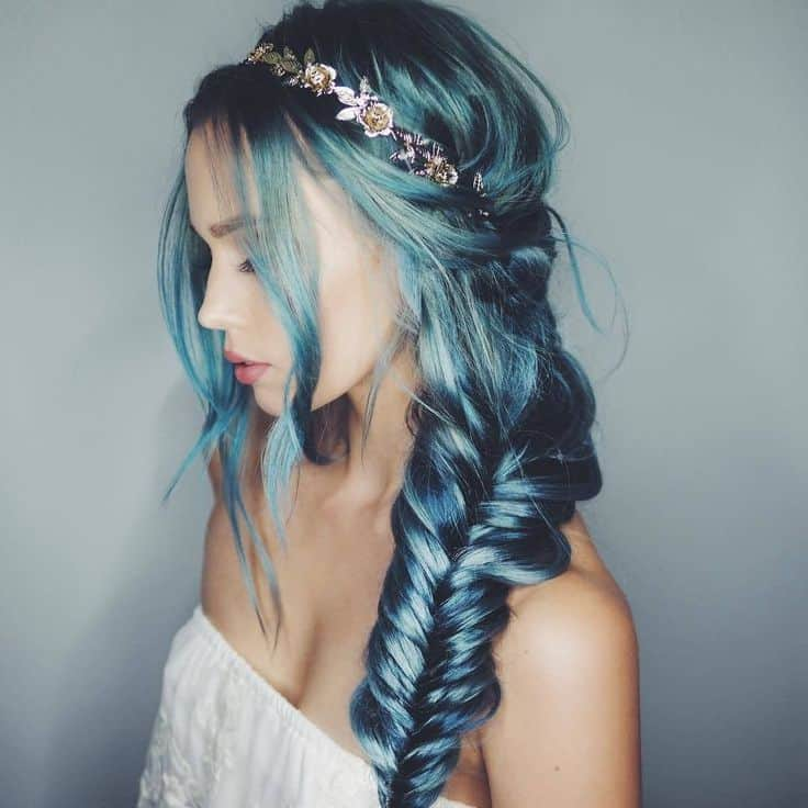 6 Mythical Mermaid Blue Hair Color to Grab Attention
