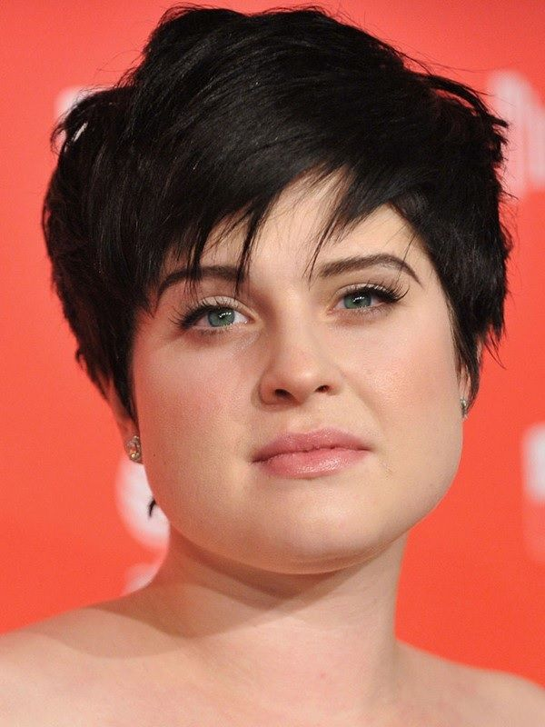 12 Effortless Pixie Cuts For Women With A Fat Face