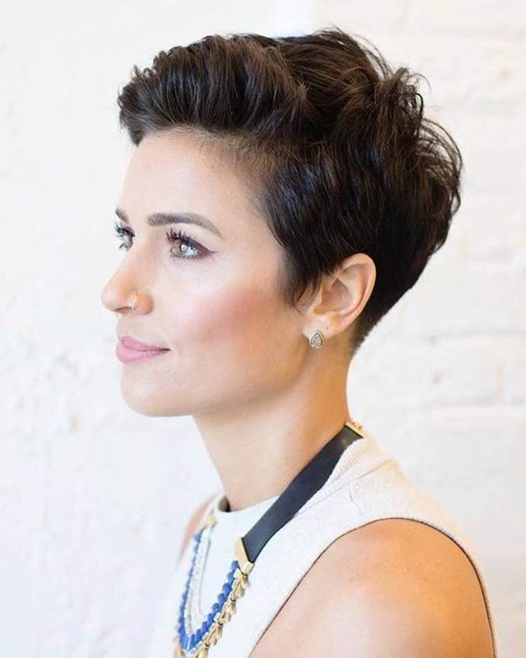 45 Stylish Pixie Cuts For Women With Thin Hair 2021 Hairstylecamp