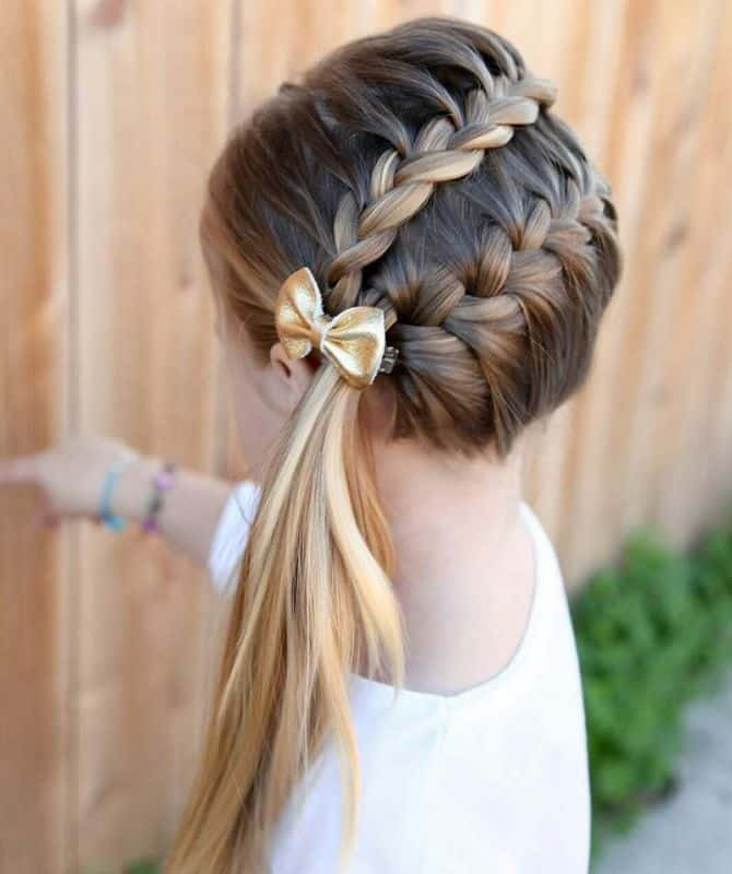 12 Dazzling Ponytail Hairstyles For School Going Girls