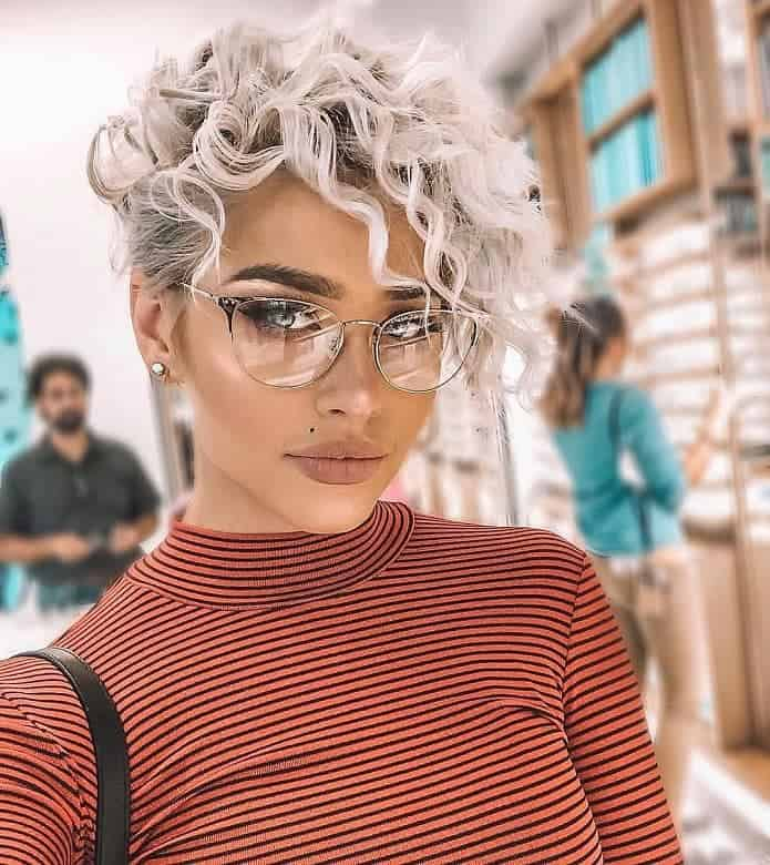 11 Awestruck Short Curly Blonde Hairstyles Hairstylecamp