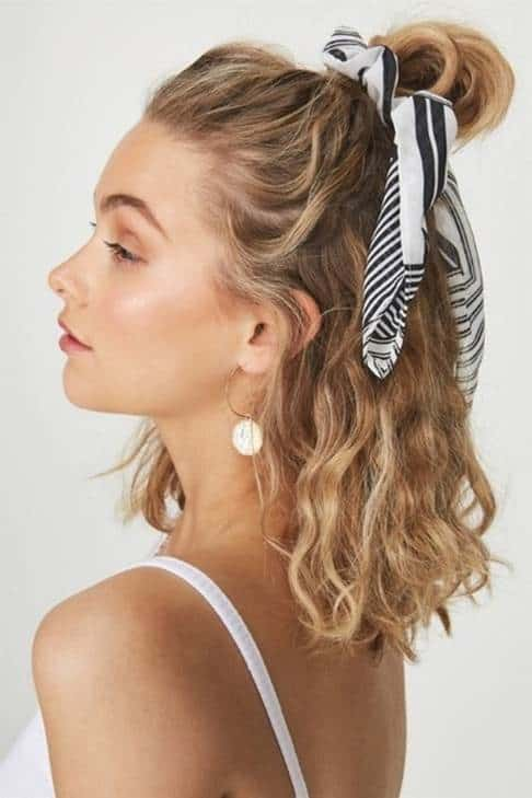 10 Awestruck Short Curly Blonde Hairstyles Hairstylecamp