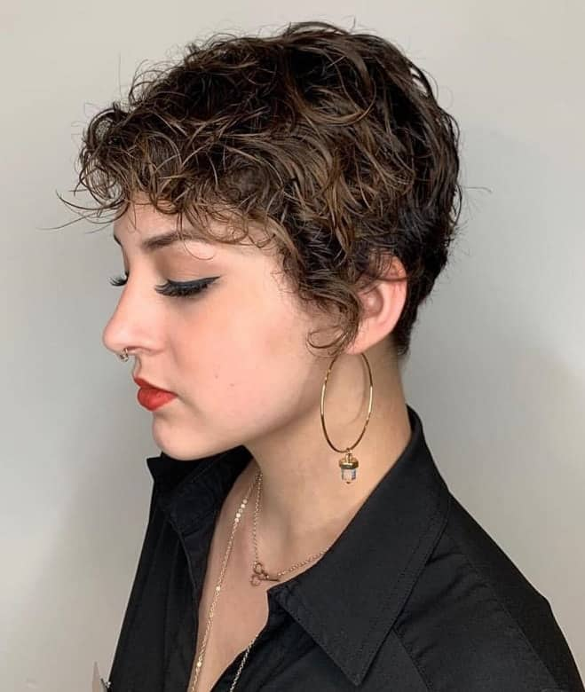 11 Charismatic Short Curly Hairstyles With Bangs For Women