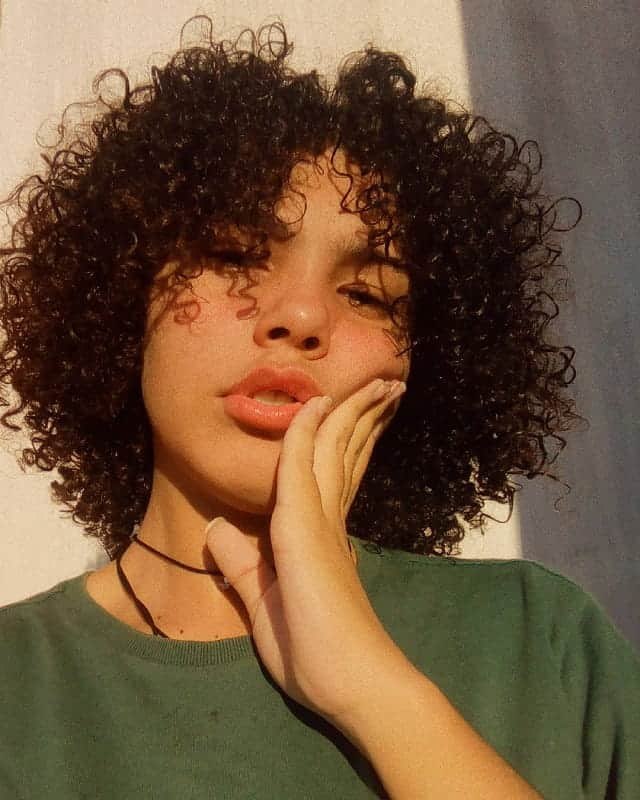 Top 20 Flawless Short Curly Hairstyles For Round Faces