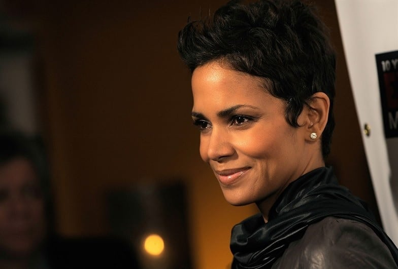 18 Respectful Short Hairstyles For Thick Hair (Women Over