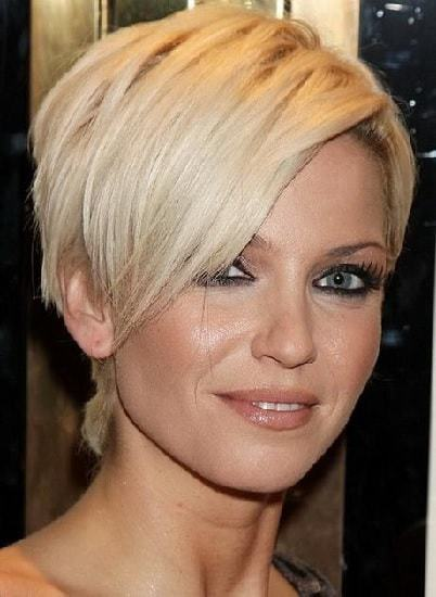 30 Respectful Short Hairstyles For Thick Hair Women Over 50