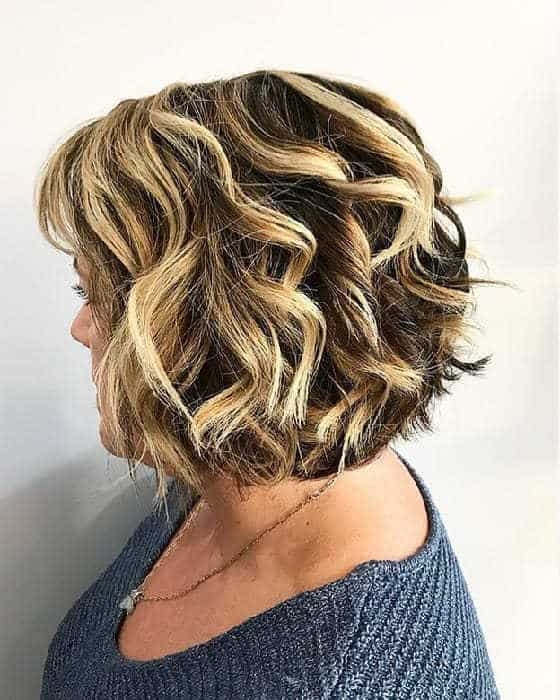 50 Youthful Short Hairstyles For Women Over 40 2020 Updated