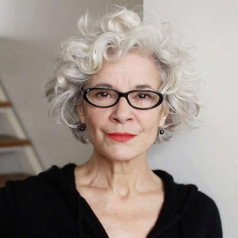 11 Fashionable Short Hairstyles For Over 60 With Glasses