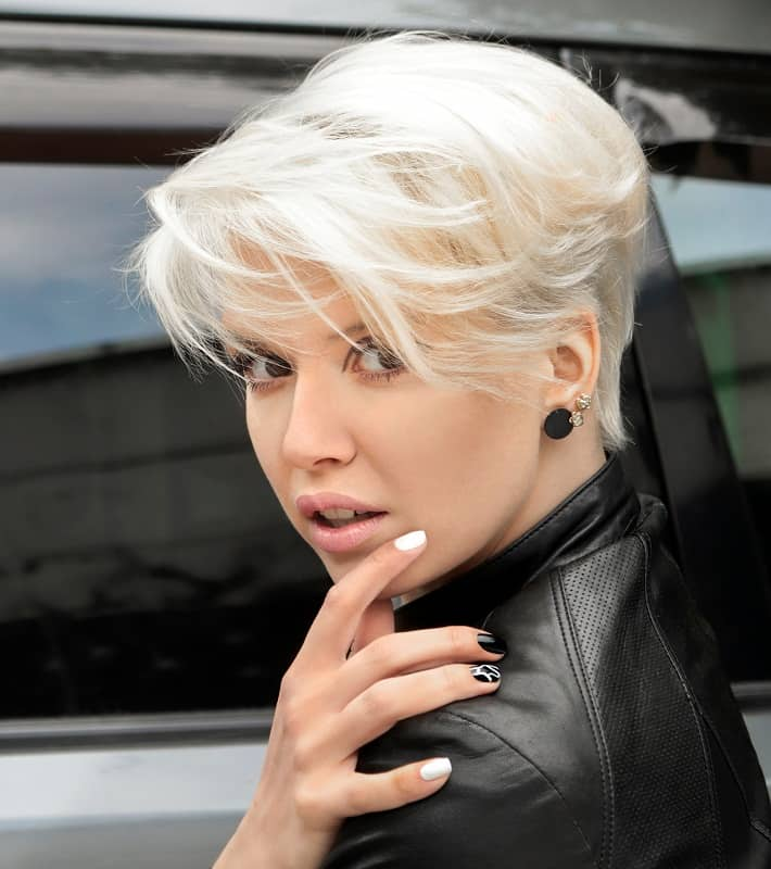 25 Beautiful Platinum Blonde Highlights To Try In 2020